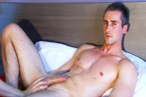 Full video: A worthy blameless str8 man Serviced His large knob By A man.