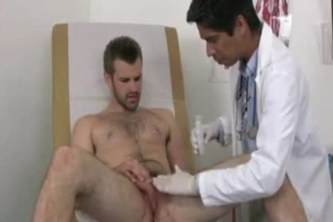 Businessman Examined By homosexual Male Doctor one time salute